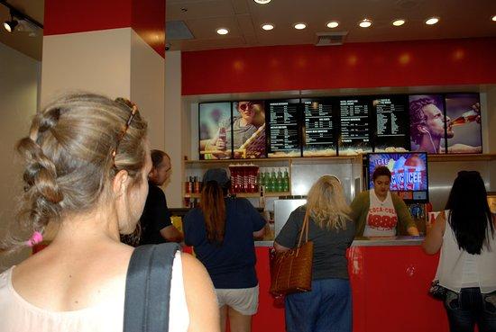 Cassa per acquistare gli assaggi - Picture of Coca-Cola