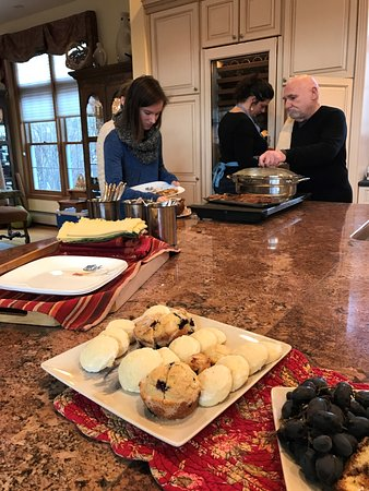 Cold Moon Farm Bed & Breakfast LLC: Breakfast Buffet