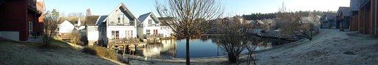 Rheinsberg, Jerman: Blick vom Ferienhaus auf den Hafen
