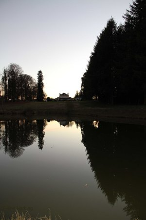 Nieul, Fransa: quand la demeure se reflète