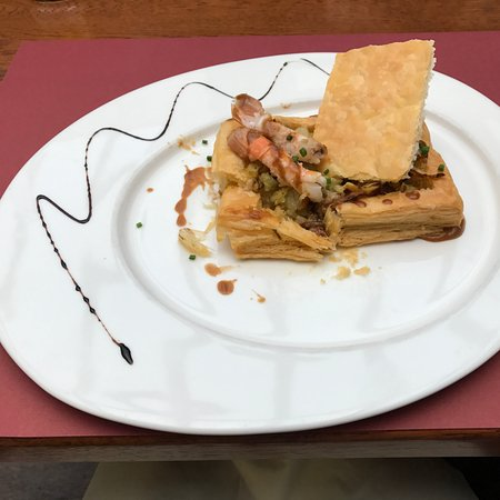 Avranches, Francia: Feuillete de Langoustines in puff pastry