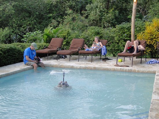 Mystic River Resort: A wading pool to relax by and cool off after a hike- located at the spa