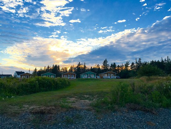 Grand Manan, Canada: The view of the cottages from the beach.