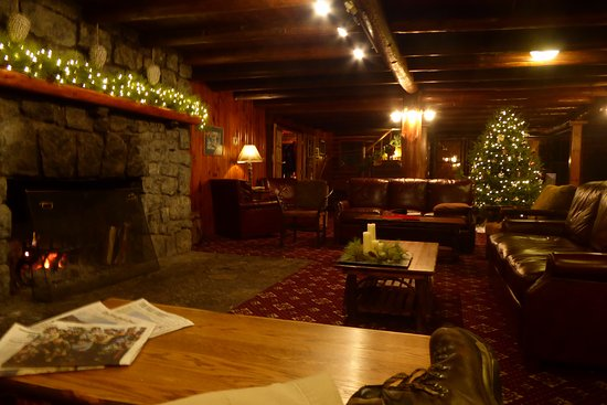 North River, NY: Lodge Room in the Log House