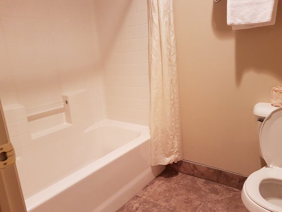 bathroom door picture of quality inn bryce canyon panguitch rh tripadvisor com