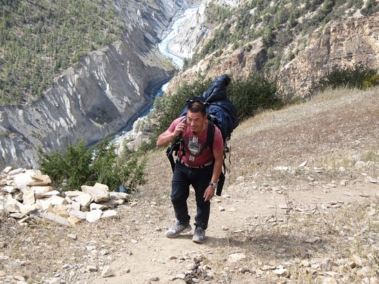 Snowy Horizon Treks & Expedition: Frequent communications between guide and trekking company