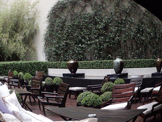 Serena Hotel: Courtyard