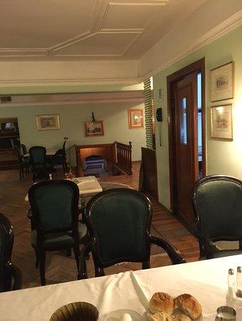 Victoria Hotel : Breakfast room