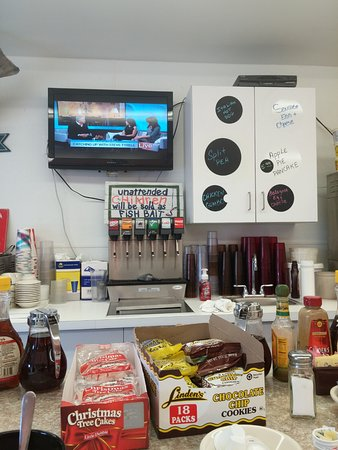 Seaside Park, Nueva Jersey: A view from the counter seating. There are many tables available however.
