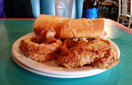 Saint Martinville, หลุยเซียน่า: Po Boy and rings!