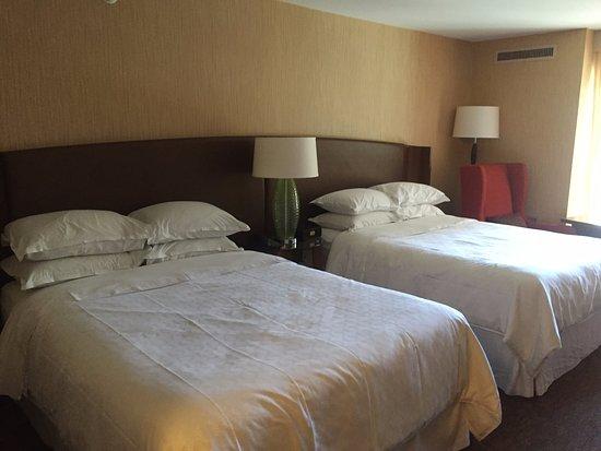 camas boas picture of sheraton vancouver airport hotel richmond rh tripadvisor ca