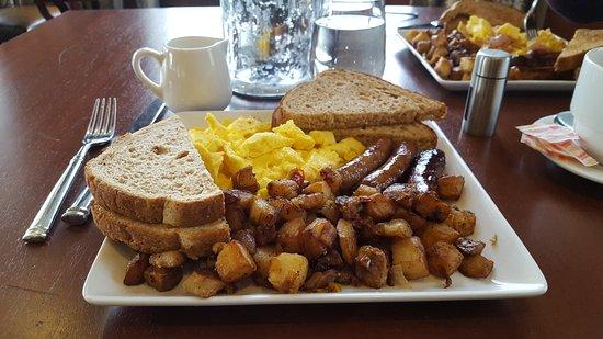 Beauport Hotel Gloucester Breakfast At The 1606 Restaurant