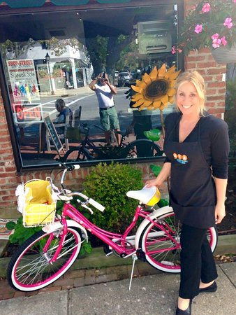 Westhampton Beach, Estado de Nueva York: Dorie the owner and the Joyful Bike!