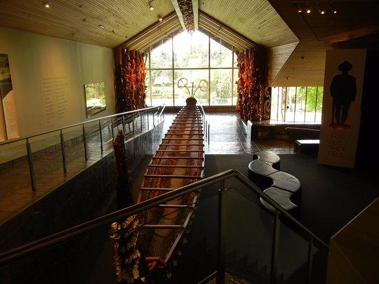 Waikato Museum: War canoe