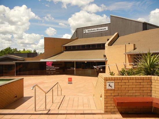 Waikato Museum: Front entrance