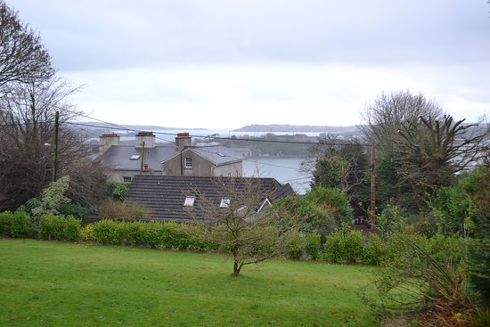 Robin Hill Guesthouse: View from the room window