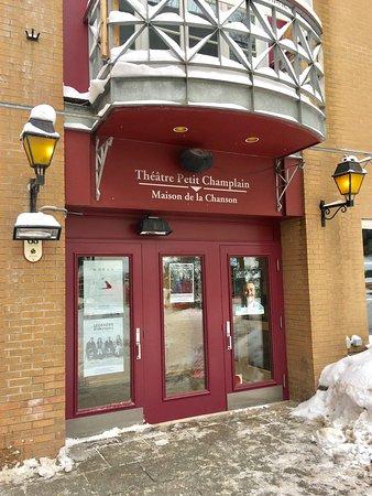 Th tre petit champlain 68 rue du petit champlain for Theatre du petit miroir