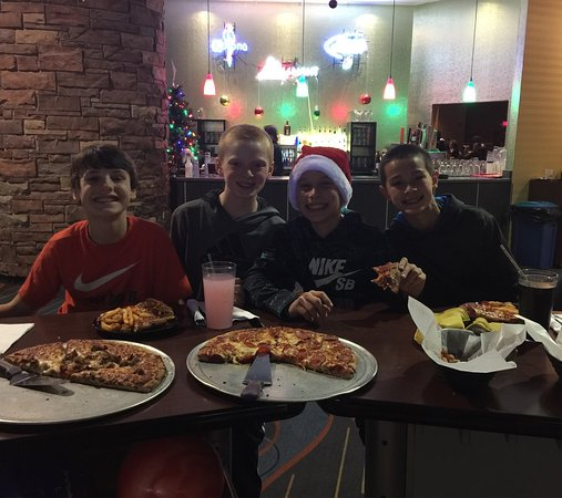 Oakdale, MN: Great birthday party with arcade, laser tag, pizza, cheese curds, fries & artichoke dip.