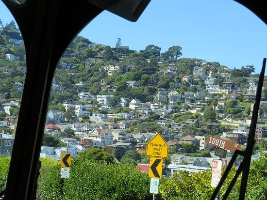 Llegando en bus a Sausalito desde el Golden Gate. Son 15 minutos de viaje.