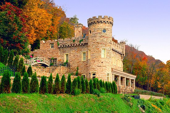 Best Western Berkeley Springs Inn: The Berkeley Castle
