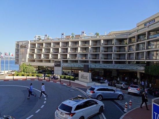 Hotel Ambassador Monaco: 飯店外觀
