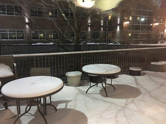 Spokane Valley, WA: Patio looks like a great place when it is warmer!