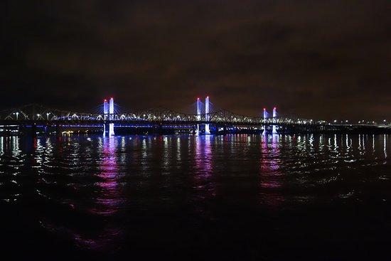 Belle of Louisville & Spirit of Jefferson: River lights