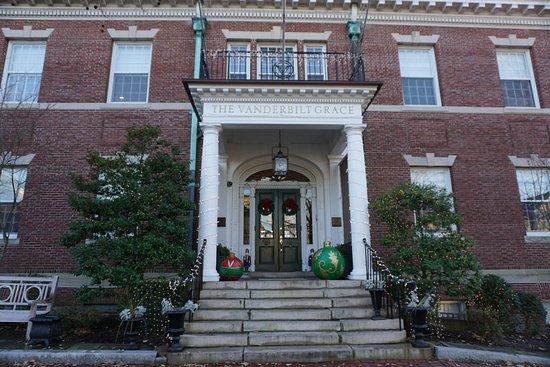 The Vanderbilt Grace: The Hotel Venderbilt Grace decorated for the holidays.
