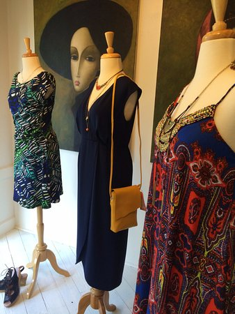 McMinnville, OR: Visit Accessory Appeal Women's boutique year round. Alien Daze Window Display