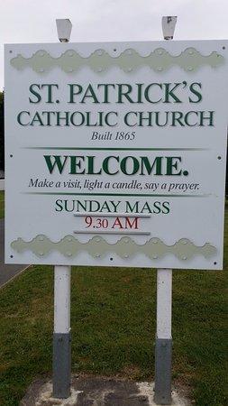 Catholic St. Patrick's Akaroa: Welcome sign