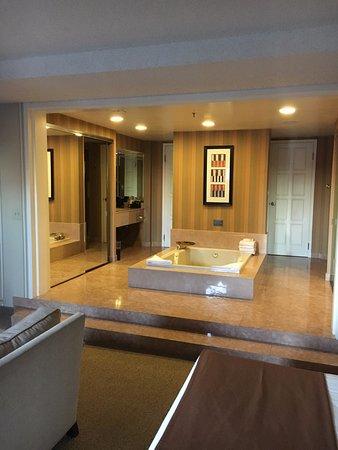 Suite Jacuzzi Picture Of Bally S Las Vegas Hotel Casino Las Vegas Tripadvisor