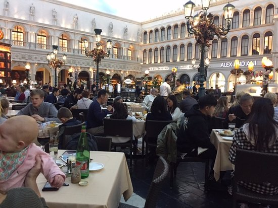 Cetto Dining Area Square