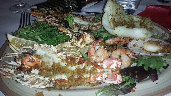Camden, Australia: Scallops - entrees. Mixed seafood grill - main