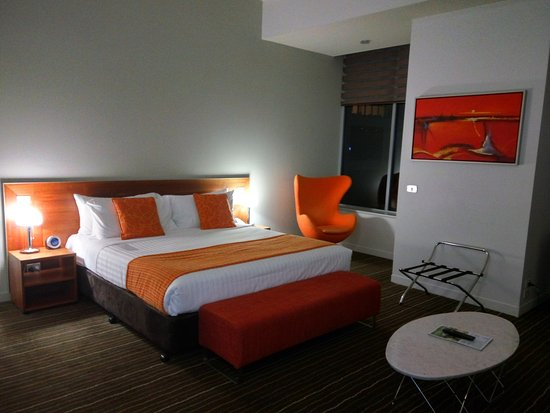 Mantra Charles Hotel: Room