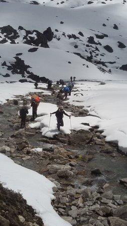 Kanchenjunga : lumabasamba pass2015