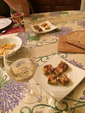 Le Clos Saint Georges: Appetisers.