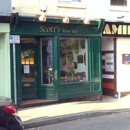 ‪Scotts Wine Bar‬