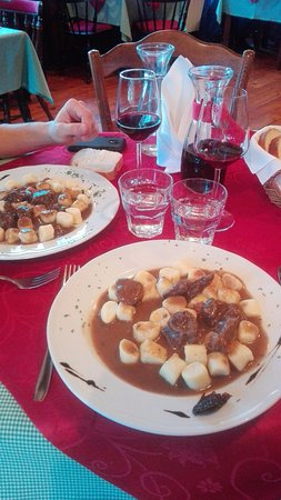Icici, Croacia: Goulash
