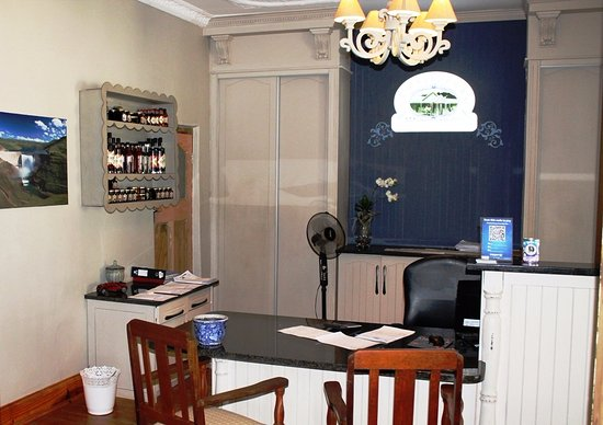 Fouriesburg Country Inn: Reception Office