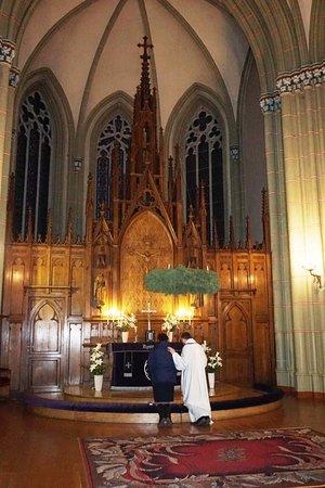 Región de Riga, Letonia: Идет исповедь в Старой церкви Святой Гертруды - 01