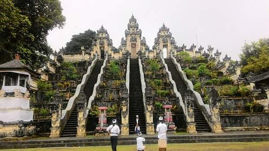 Kerobokan, Indonesien: Heavan gate bali that location east of bali lempuyang temple, lets explore art,culture with bali