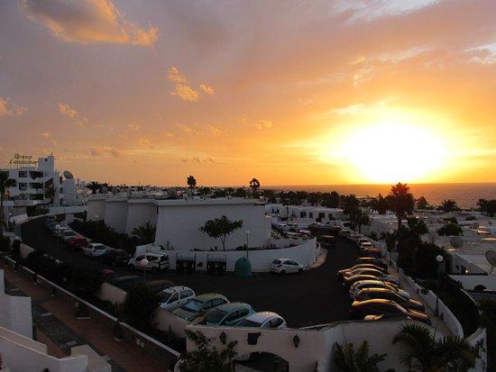 Las Vistas: Sunrise on the balcony