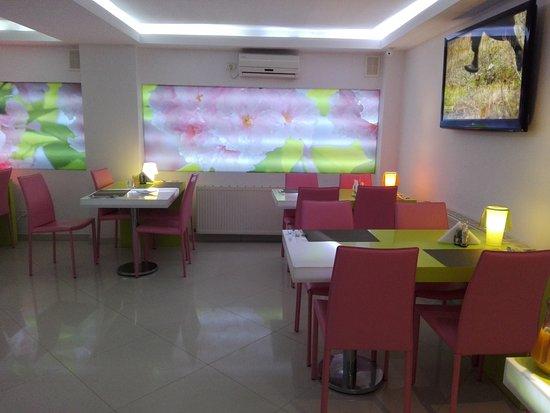 هوتل كريستينا: Dining Room Area