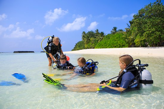 Kuramathi: Bubblemaker dive course by Rasdhoo Divers