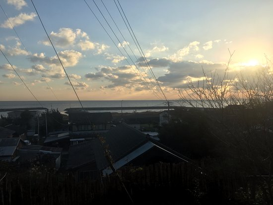 Kaikiso: 朝日は少し雲がかかってしまいました。