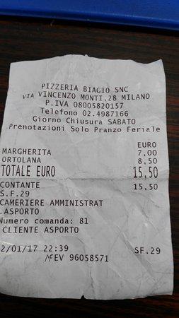 Da Biagio: Forse un po' troppo per due pizze d'asporto :-(