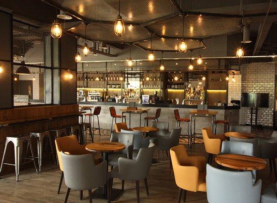 Addlestone, UK: Restaurant Refurb