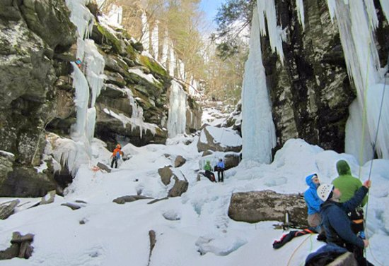Gardiner, Estado de Nueva York: Ice Climbing in the Catskills