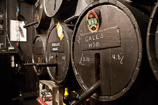 Capel, UK: Real Ale straight from the cask