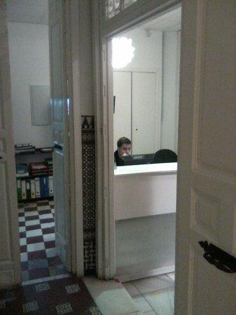 Feel Hostels City Center: Reception